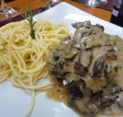 carne-ao-molho-funghi