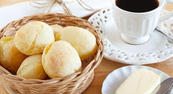 Pão de Queijo com bastante Queijo
