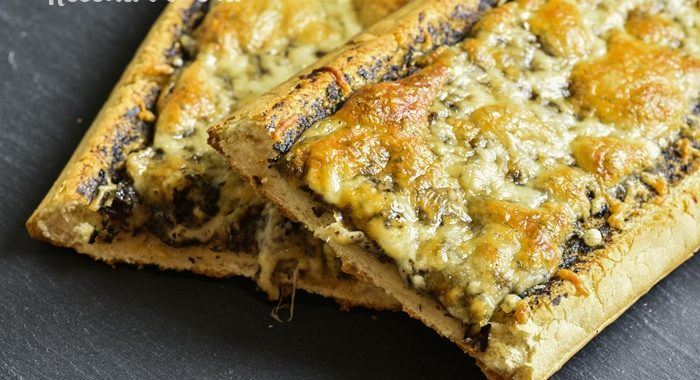 Sanduíche de queijo no forno