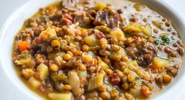 Receita de Lentilhas com costela defumada e linguiça – Receita tradicional