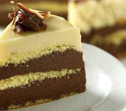 Bolo Três Mousses: Com três irresistíveis sabores de sobremesa!