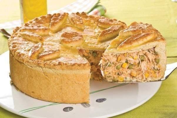 A massa da torta combina com vários recheios, com é o caso do frango. (Foto: Divulgação)