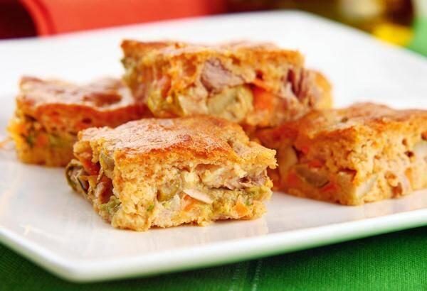 A massa de torta salgada combina com vários recheios.