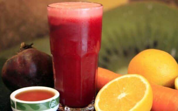 Suco de laranja com beterraba. (Foto: Divulgação)