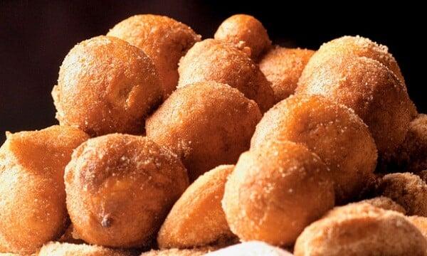 Aprenda a preparar deliciosos bolinhos de chuva. (Foto: Divulgação)