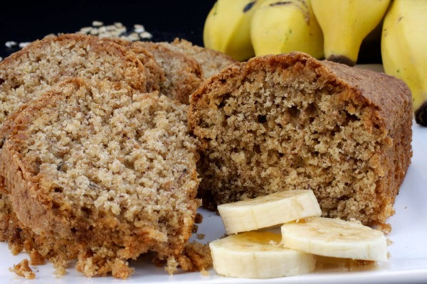 Aprenda a fazer um delicioso bolo de banana sem glúten. (Foto: Divulgação)