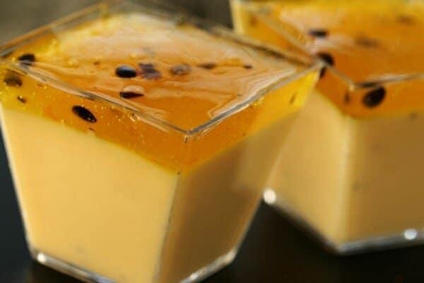 Deixe a sobremesa mais saborosa com uma calda. (Foto: Divulgação)