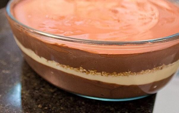 Ovo de Páscoa de Travessa: rápida, fácil e um sabor maravilhoso