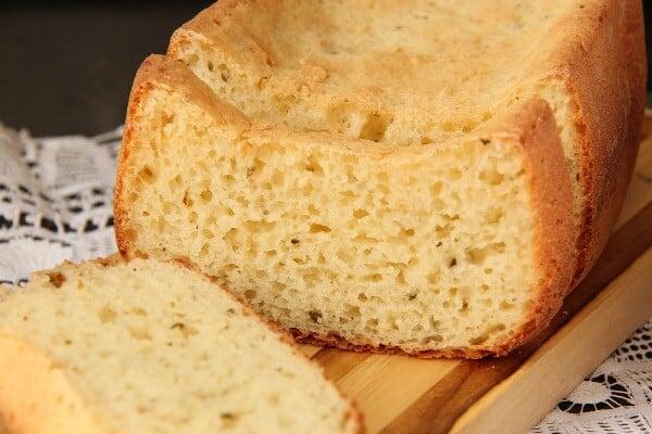 Aprenda a fazer um delicioso pão sem glúten. (Foto: Divulgação)