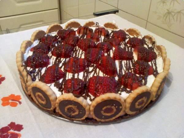 Decore a torta da forma que preferir. (Foto: Divulgação)