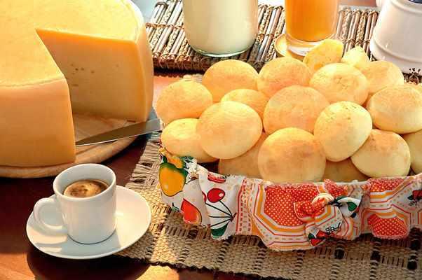 O pão de queijo é perfeito para deixar o café da tarde mais saboroso. (Foto: Divulgação)