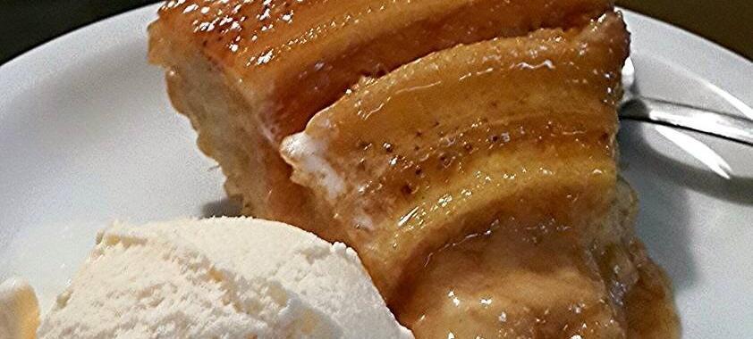 Bolo de banana caramelizado
