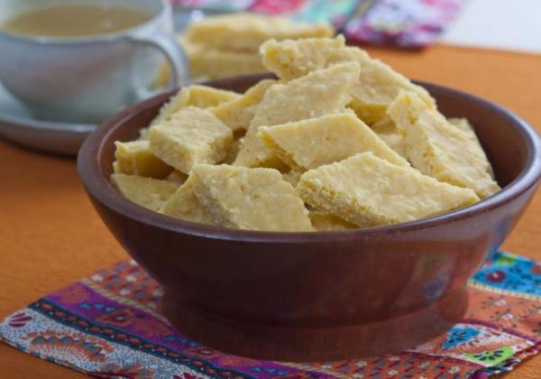 A cocadinha de milho é rápida e fácil de fazer.