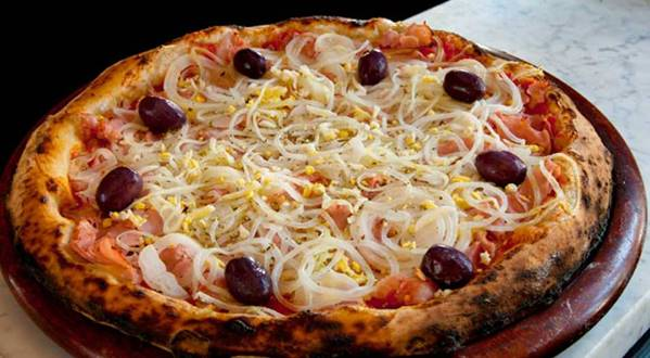 O recheio leva queijo, presunto, ovo, cebola e tomate. (Foto Ilustrativa)