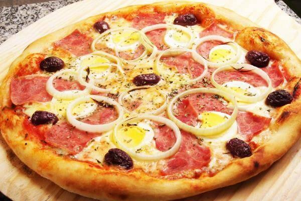 Descubra como fazer pizza sabor portuguesa. (Foto Ilustrativa)