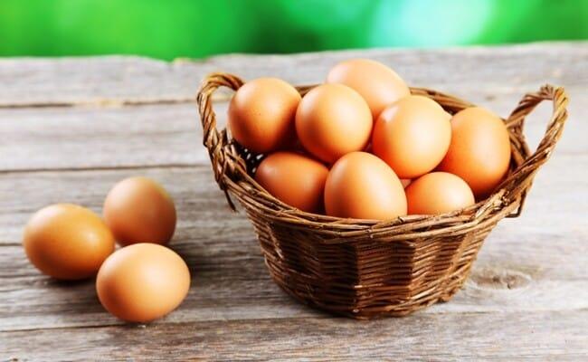 Como saber se um ovo está estragado
