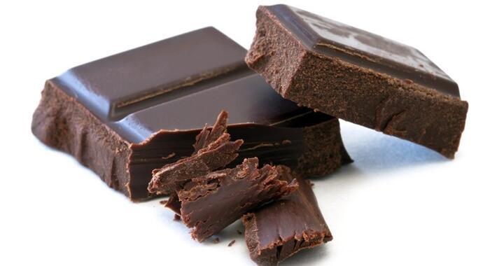 Chocolate amargo e seus benefícios