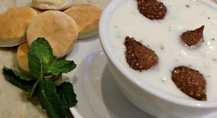 Kibe Labanie – kibes fritos com coalhada fresca