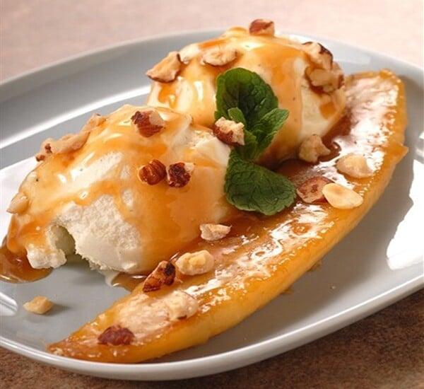 sorvete com banana sautée