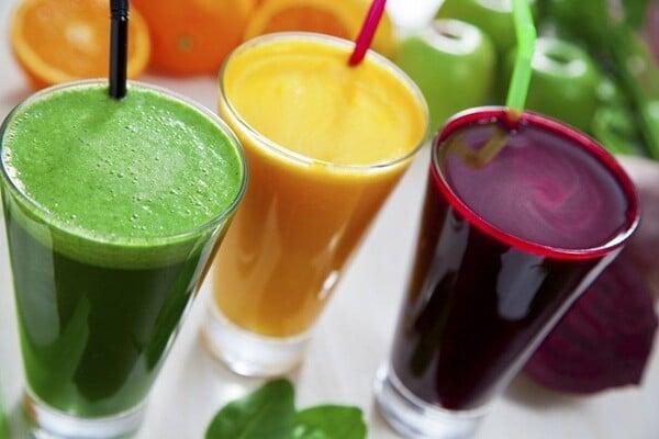 Sucos naturais que não podem faltar na sua dieta: aprenda 5 receitas