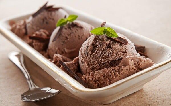 Thiara Palmieri - O melhor sorvete de brigadeiro feito pela Thiara
