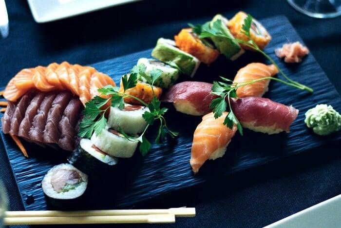 Cuidados ao consumir sushis - O que pode causar