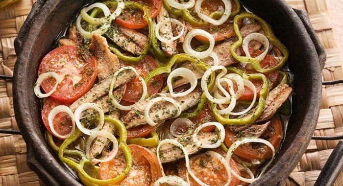 Moqueca de sardinha muito mais saboroso e fácil de preparar