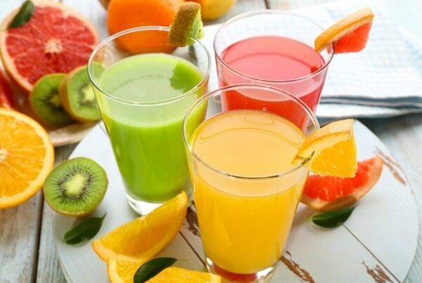 Sucos refrescantes para o verão