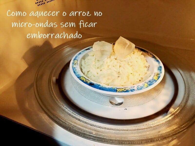 Como aquecer o arroz no micro-ondas sem ficar emborrachado