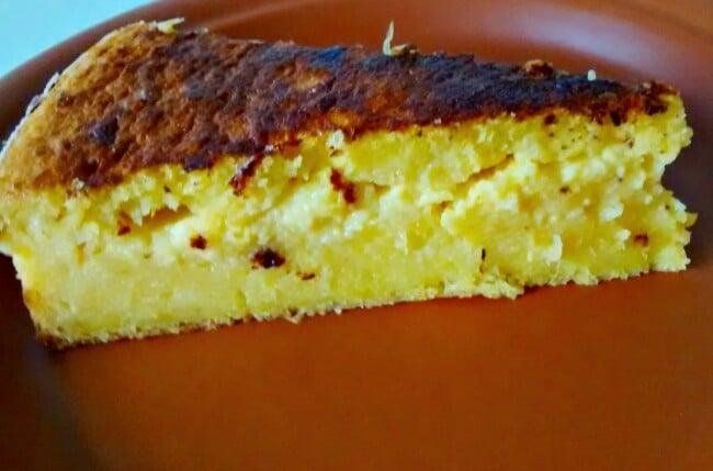 Bolo de milho verde com queijo