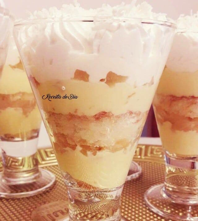 Torta mineira de abacaxi e coco