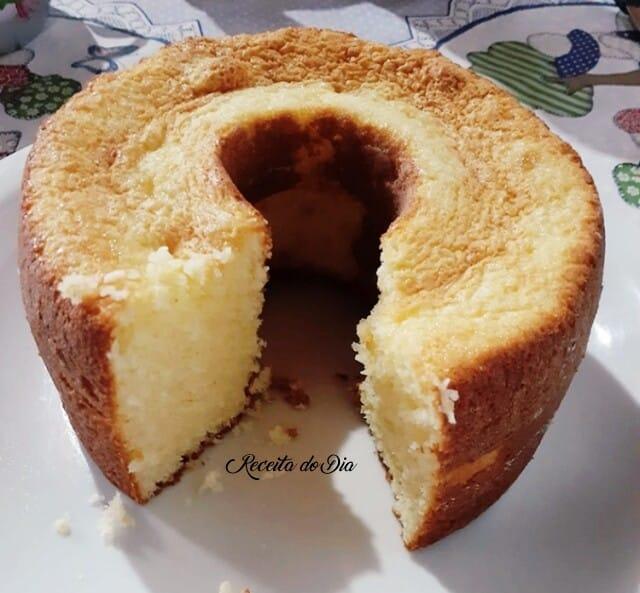 Receita de bolo de coco com leite condensado